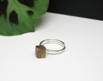 SILVER Ring with Solitaire PYRITE Cube. Adjustable Raw Stone Ring. Natural Stone Pyrite CRYSTAL Ring. Minimalist Solitaire Stone Ring.