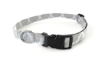 Grey quatrefoil dog collar, gray clove collar, light grey cat collar, spring pet accessories