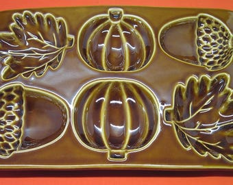 Crate & Barrel Fall Cakelet Bread Muffin Baking Mold Acorns Pumpkins and Leaves Glazed Stoneware – Unused