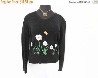Vintage 70s Sweater Lightweight Spring Novelty Embroidered Bumble Bee Daisies Insect M Medium L Large