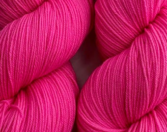 Hand dyed sock yarn, superwash merino & nylon, 463 yds / 100 grams. Great for knitting, crocheting, weaving