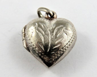 Mechanical Heart Picture Locket Sterling Silver Charm of Pendant.