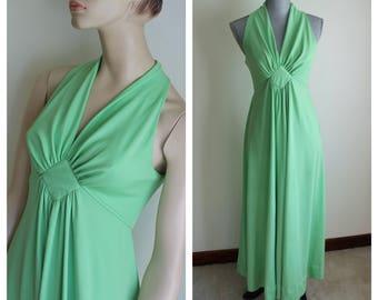 1960s Green Maxi Dress Long Gown Sleeveless Size Medium Full Skirt Halter Style