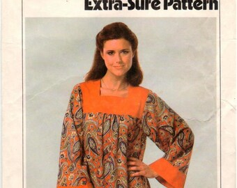 Vintage Simplicity Extra-Sure Pattern 8752 - Misses Softly Gathered Caftan with Contrasting Yoke and Sleeve Bands - 10-14