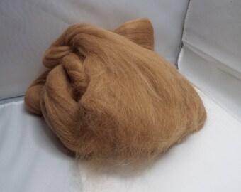Fawn Alpaca Top, 4 ounces, alpaca roving, alpaca, spinning, spindlle spinning, spinning fiber, roving, Threadsthrutime