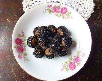Handmade Blackberry Buttons, 12 Thread Wrapped Bead Buttons, 18th Century Hand Wrapped Buttons with Bead Chips 5/8