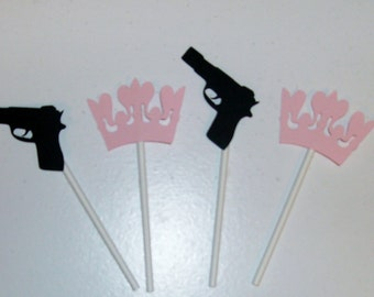12 Gender Reveal / boy or girl / Guns and Crowns Cupcake Toppers (252C)