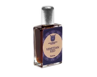 Venetian red - Natural perfume, marine, floral and bitter-sweet with Seaweed, rose, jasmine, oakmoss, patchouli, angelica,  Flacon.