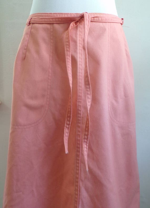 1960s Fashion: What Did Women Wear? koratron gabardine wrap skirt | light salmon pink canvas skirt minimalist 60s skirt solid color  AT vintagedancer.com