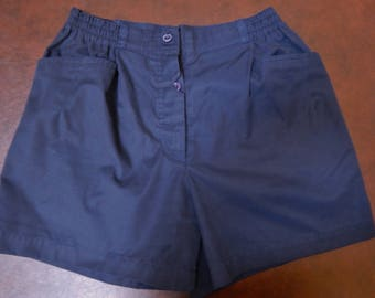 80s/90s high waisted shorts, navy blue, button fly, ladies size 11/12