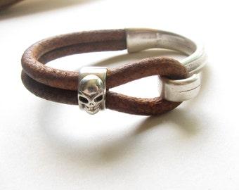 Skull Bracelet,Mens Skull Bracelet,Mens Leather Bracelet,Mens Braclets,Leather Bracelet Men,Brown Leather,Men's Jewelry,Skull Jewelry,Skull