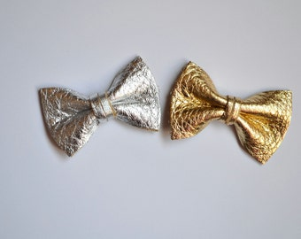 Silver Gold Metallic Leather Clip Duo Little Bow for Newborn Baby Child Little Girl Adult Photo Prop Adorable Spring Summer Pictures Clip