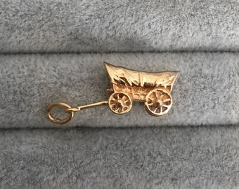 Vintage Gold Covered Wagon Charm / Pendant (C-157)