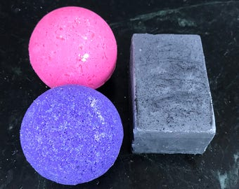 Soap and Bath Bomb Gift Set - 1 bar of soap and 2 bath bombs - Choose your favorite scents - great for birthday and anniversary gifts