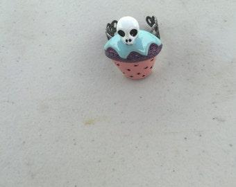 Skull cupcake ring