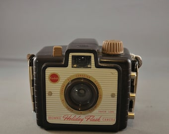 Canadian Brownie Camera. 1950's.