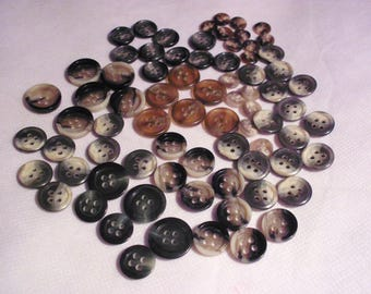 Set of 100 color and size buttons