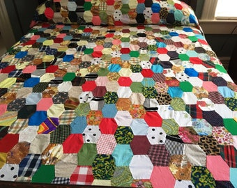 VINTAGE QUILT TOP, Full Quilt Top, Double Quilt Top, Hand Stitched Quilt Top, Hexagon Quilt Top, Quilt Top, Colorful Quilt Top, Many Fabrics