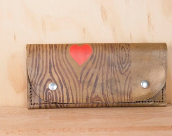 Leather Wristlet Wallet - Womens Large Wallet with Wrist Strap - Nice pattern with woodgrain and heart in antique brown - Fits iPhone 6+