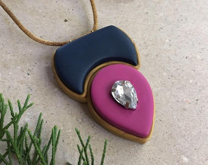 COLOR CREST NECKLACE// Color blocked, geometric pendant// Navy and mauve tear drop pendant