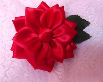 Red kanzashi flower clip