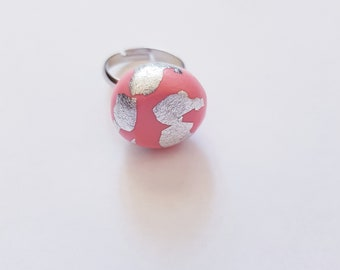 Blow a kiss ring