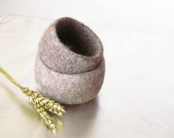 Ring dish - Beige engagement gift - Jewelry bowl - eco friendly wedding favor  - desk organizer - felted bowls