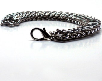 Dragonback Chainmaille Bracelet, Medium Rings. dragon bracelet, renaissance faire, chainmail, chainmail bracelet, womens chainmaille
