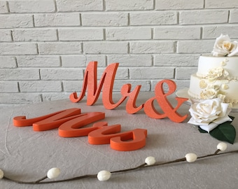 Mr. & Mrs. Signs. Mrs and Mr wedding signs. Wedding table decoration, standing Mr and Mrs signs for sweetheart table