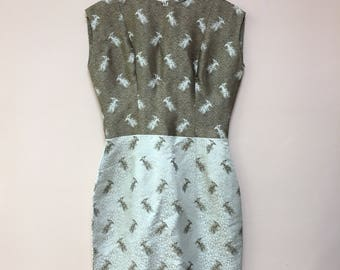 Vintage 1960s white beige dragon print wiggle DRESS Mad Men Marilyn