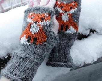 Fox Arm Warmers / Fox Fingerless gloves / Fox Fingerless mittens / Embroidered mittens / Women's fox gloves / knitted gloves / Winter gloves