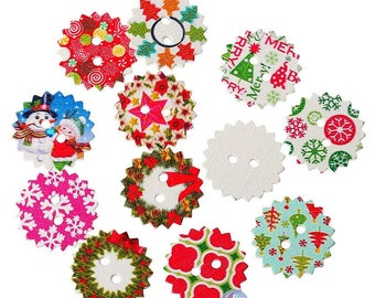 10 scalloped round buttons Christmas wooden painted 2.4 cm - 2 holes