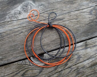 Fall Wire Pumpkin in Black & Orange