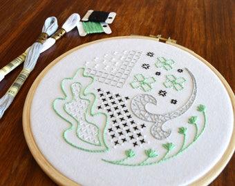 Mock Blackwork hand embroidery pattern, modern embroidery, embroidery patterns, embroidery PDF, PDF pattern