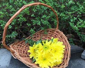 Vintage Flat Basket /Flower Girl Basket /  Natural Wicker / Wedding Basket / Gathering Basket / Flower Basket / Photo Prop / Small Basket