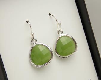 Green Earrings, Sage, Moss Pistachio Crystal Glass Silver Earrings, Bridesmaid Earrings Wedding Jewelry, Bridesmaid Jewelry, Bridesmaid Gift