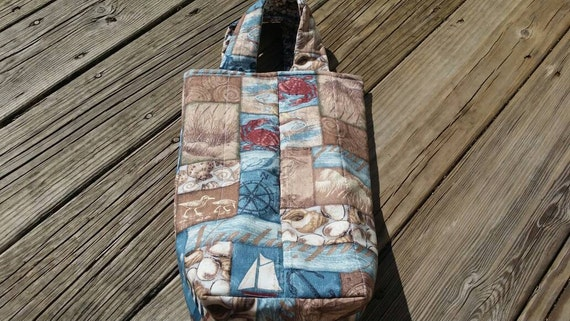 Nautical Quilted Wine Tote /Reversible Reusable Washable Nautical Wine Bag /Wine Gift Bag /Beach Gift Bag/Two Bottle Beach Wine Bag
