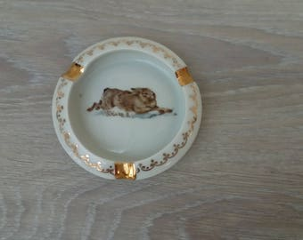 Ashtray depicting a sologne Hare