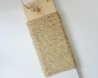 Cat scratcher - Modern design - Natural wood and sisal- White