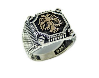 Man signet  ring with double-headed eagle