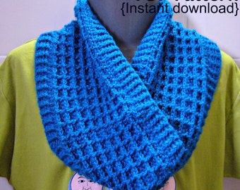 Crochet Pattern, Crochet Waffle stitch cowl with ribbed cuffs, INSTANT DOWNLOAD PDF, Infinity scarf, Snood.