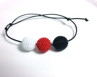 Three Colors Beaded Beads in Black, White & Red Bracelet