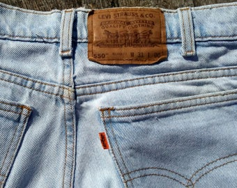 Vintage Levi 550 Jean Shorts Men's Size 31 Relaxed Fit Classic Jean Shorts PERFECTLY WORN IN 1990s Jeans Mens Jeans Shorts