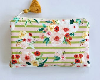 Holiday Essential Oil Bag / Christmas Essential Oil Bag / Floral Oil Bag