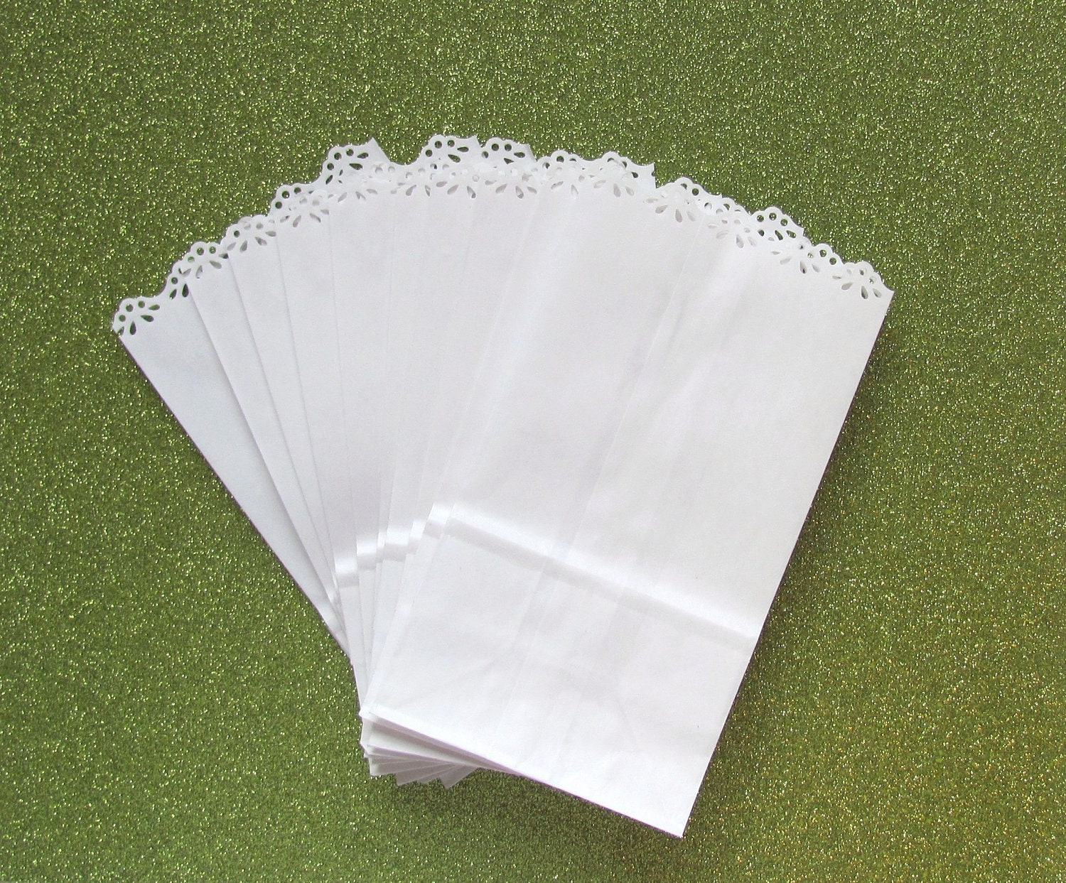 White Paper Bags with Lace Edge for Wedding Favors or Party Gifts ...