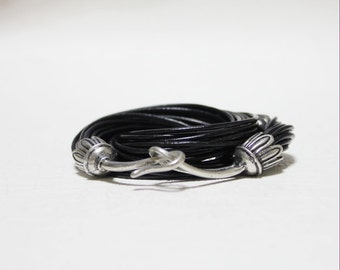 Vintage Hook Ornament Multi Strand Leather Bracelet(Black)