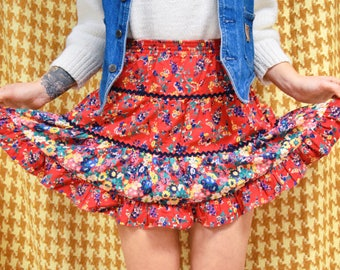 Floral Tiered Skirt // Cute Vintage Summer Skirt // Womens Mini Skirt // Size XS/S
