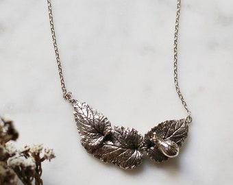 PETITE FILLE Handmade Jewelry Slow Snail & Leaf 925 Silver Pendant