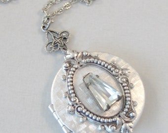 Old Soul,Locket,Diamond Locket,Diamond,Vintage Diamond,Vintage STone,Vintage Crystal,Vintage,Vintage Diamond Necklace,Vintage Silver Necklac