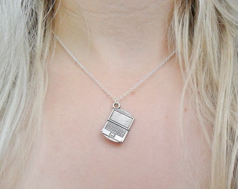 Laptop Internet Future Computer Gaming Gamer Retro Pendant Silver Necklace Jewellery Jewelry